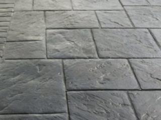 Platinum Silver Grand Ashler Pattern Driveway
